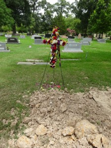Dad's grave and cross Father's Day small